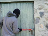 Cum să-ți protejezi locuința de hoți? 5 sfaturi utile pentru securitatea casei