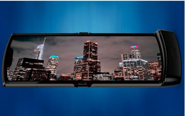 Noi imagini cu viitorul telefon pliabil al Motorola. Detaliul care o să-l transforme în favoritul tău