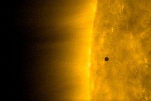 Imagini fantastice surprinse în sistemul nostru solar. Ce a trecut prin fața soarelui. VIDEO