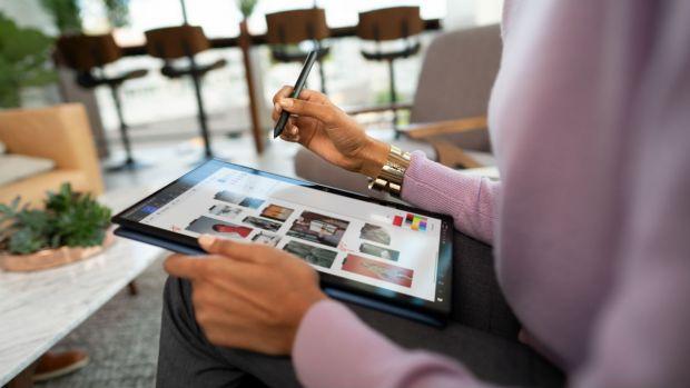 (P) HP Elite Dragonfly, noua gamă de laptopuri convertibile 2 în 1