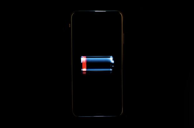 Care sunt cele mai mari mituri despre bateria telefonului tău și de ce ar trebui să le ignori