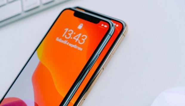 Apple schimbă display-urile pentru telefoanele pe care vrea să le lanseze în 2020