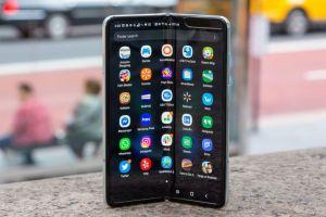 Coșmarul Galaxy Fold. Câte telefoane pliabile a vândut Samsung la finalul anului trecut