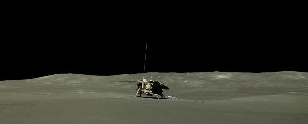 Noi imagini impresionante surprinse pe partea nevăzută a Lunii