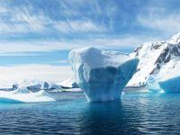 Particule misterioase descoperite în Antarctica par să sfideze legile fizicii