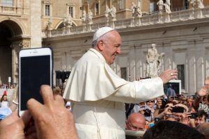 Papa Francisc și inteligența artificială. Pactul pe care Suveranul Pontif îl face cu IBM și Microsoft