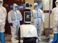 Pacienți cu coronavirus, îngrijiți de roboți la un spital din China