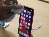 Apple și-a notificat toți utilizatorii de iPhone cum își pot dezinfecta telefonul, după criza globală provocată de coronavirus