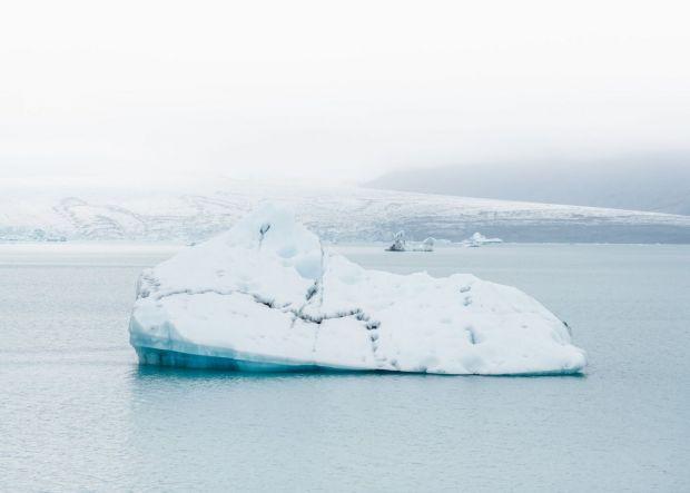 Groenlanda a pierdut vara trecută 600 de miliarde de tone de gheață. Cât a crescut nivelul mărilor?