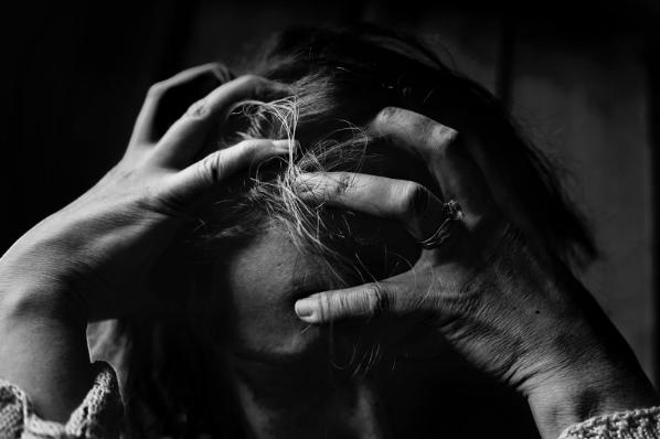 (P) Suferi de depresie? Vezi ce soluții ai!
