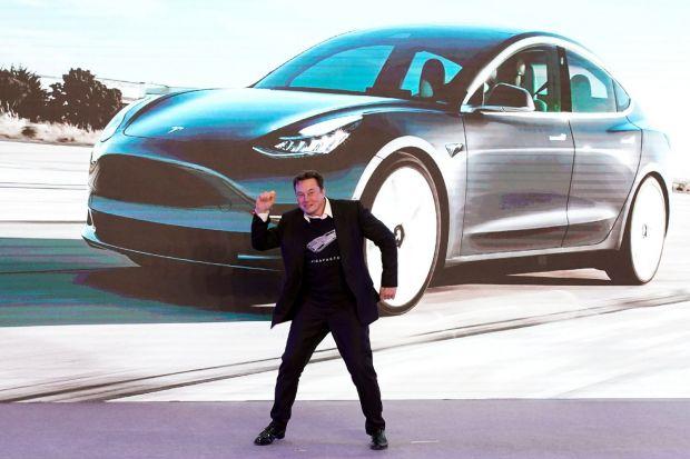Surpriză uriașă de la Tesla în vârful perioadei de coronavirus în SUA. Cât de bine s-au vândut mașinile electrice ale lui Elon Musk