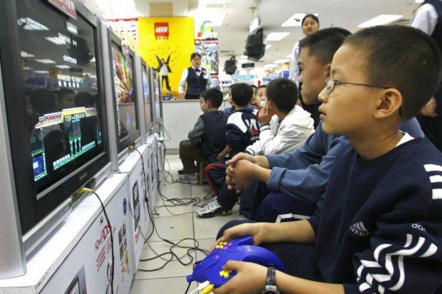 Motivul incredibil pentru care China interzice gaming-ul online
