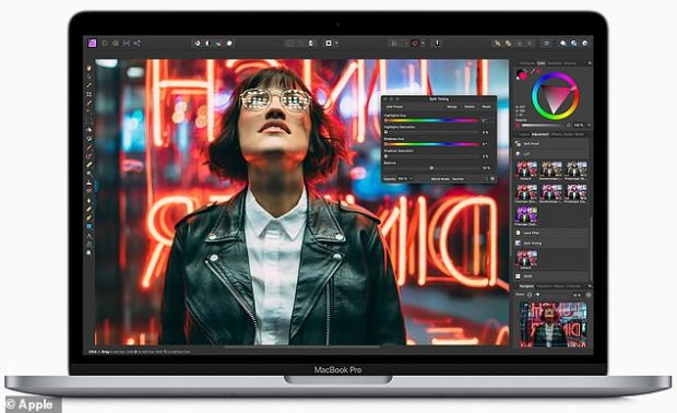 Apple a prezentat o nouă versiune a MacBook Pro de 13 inci, cu Magic Keyboard