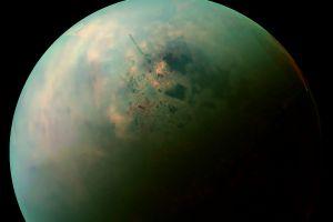 Ceva ciudat se întâmplă cu unul dintre sateliții planetei Saturn. Ce au observat astronomii?