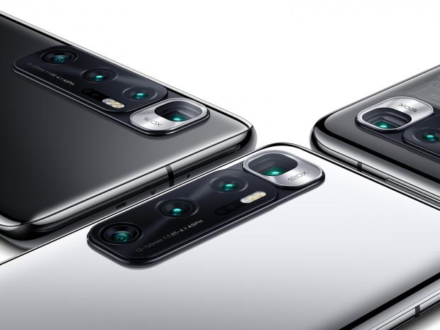 S-a lansat oficial telefonul cu cea mai bună cameră foto din lume. Are tot ce ți-ai putea dori de la un produs premium