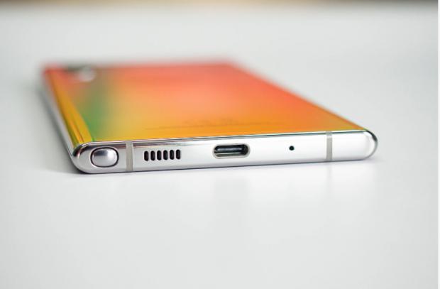 Galaxy S21 ar putea aduce înapoi cea mai importantă funcție care a fost eliminată de producători de pe telefoanele flagship