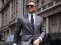 Care este noul telefon al lui James Bond. Dispozitivul zărit pe platourile de filmare ale producției