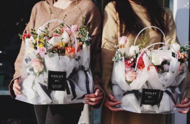 (P) Vrei să păstrezi un buchet proaspăt cât mai mult timp? Urmează aceste sfaturi și te vei bucura de frumusețea florilor zile întregi!