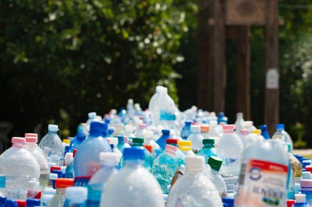 Cercetătorii au inventat plasticul care poate fi reciclat la infinit