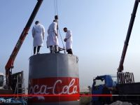 Experiment nebun! Cum au explodat peste 10.000 de litri de Coca-Cola VIDEO