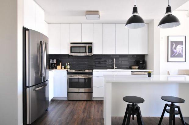 (P) Decorarea apartamentului de două camere în stil minimalist