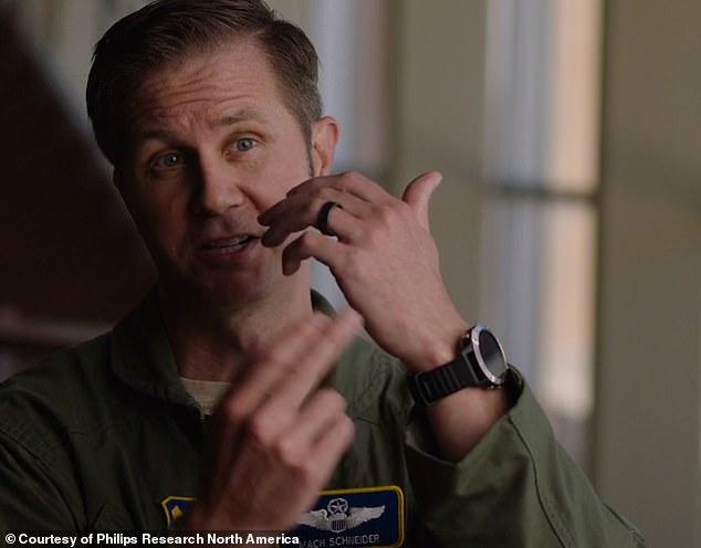 Armata americană are un gadget care detectează COVID-19 înainte de apariția simptomelor