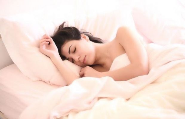 (P) 5 metode eficiente pentru a adormi mai ușor