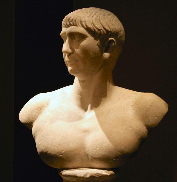 Cum arăta de fapt împăratul Traian? Algoritmii de inteligență artificială i-au reconstituit chipul