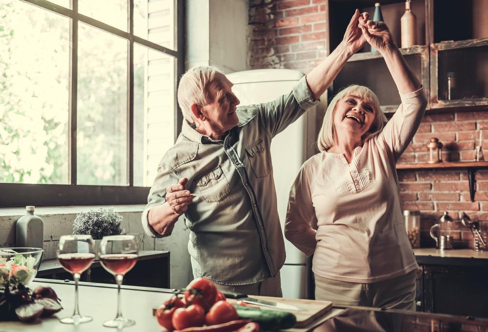 Ajung partenerii care au o relație îndelungată să semene unul cu altul? Studiul care deslușește misterul