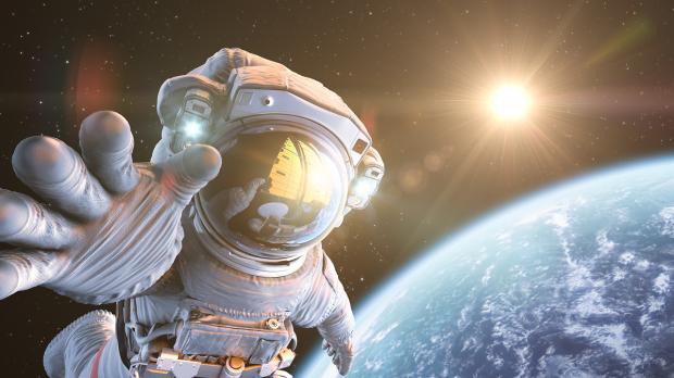 Internetul ajunge pe Lună. Prima companie care dezvoltă o rețea 4G în spațiu