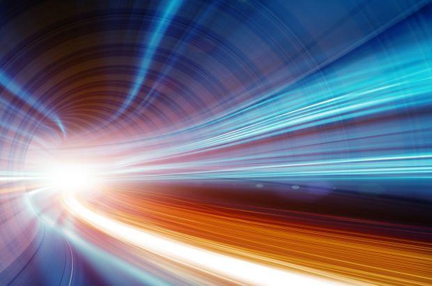 Revoluție în știință: cercetătorii au reușit să stocheze și să transporte lumina
