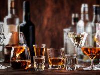 STUDIU: Consumul excesiv de alcool poate provoca apariția Alzheimerului încă din tinerețe