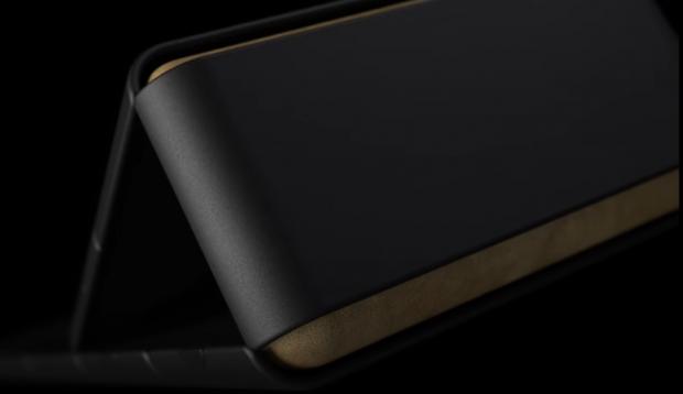 Un gadget cum nu ai mai văzut până acum. Cum arată smartphone-ul bdquo;glisant , cu trei balamale