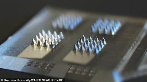 Cercetătorii pregătesc un plasture cu vaccin anti COVID, ideal pentru cei care se tem de ace