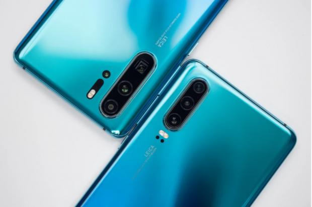 Cu ce mai rămâne Huawei? Compania ar urma să vândă două dintre cele mai iubite branduri