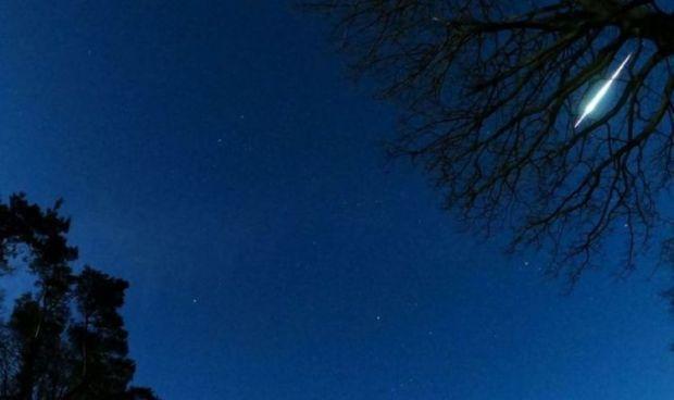 O bdquo;minge de foc  a luminat cerul Marii Britanii. Care este ipoteza cercetătorilor