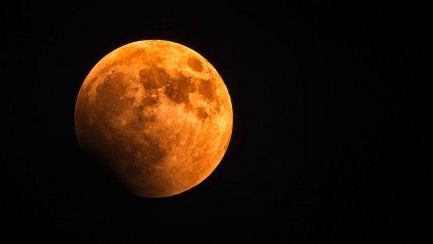 NASA pregătește o misiune importantă pe partea întunecată a Lunii