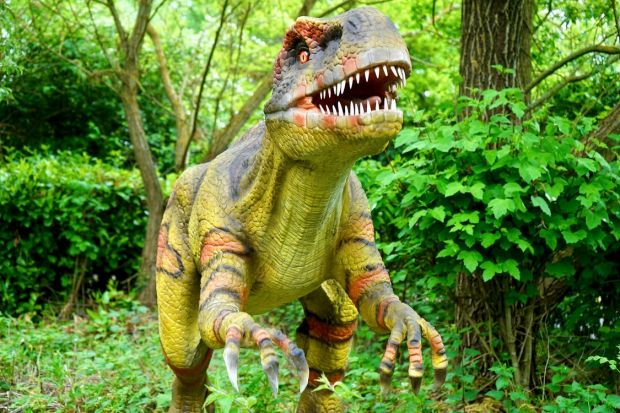 Compania Neuralink are tehnologia necesară pentru a clona un dinozaur, ca în bdquo;Jurassic Park