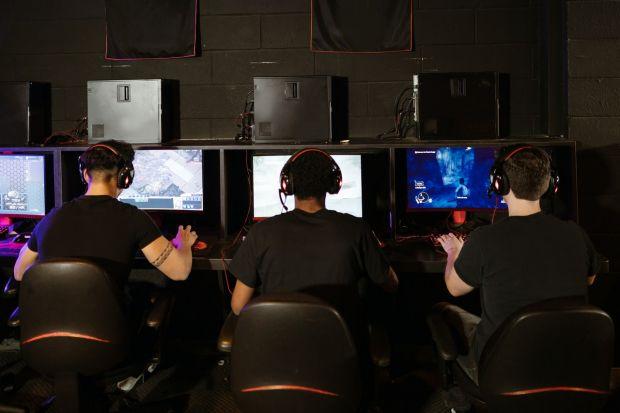 Top șase jocuri video pe care le poți juca împreună cu prietenii