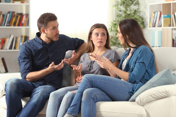 Părinții care au fete sunt mai predispuși la divorț decât cei care au băieți. Care este explicația