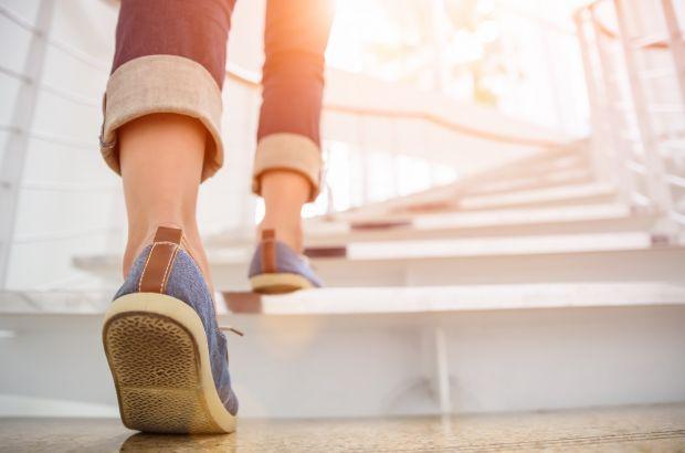 De ce regula de 10.000 de pași pe zi este falsă. Cât trebuie să mergi, de fapt, ca să rămâi sănătos