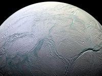 Există viață pe Enceladus? Cercetătorii au observat posibile dovezi sub crusta de gheață