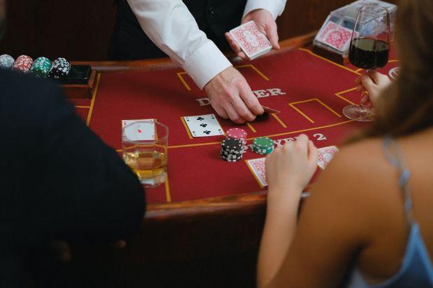 (P) Marketingul pokerului online