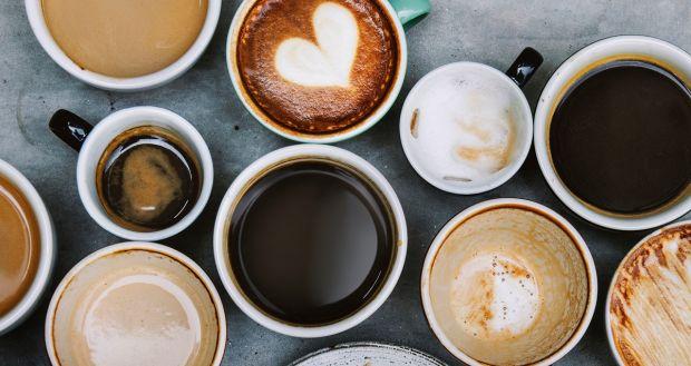 Bei mai multe cești de cafea pe zi? Iată ce efect are asupra creierului tău
