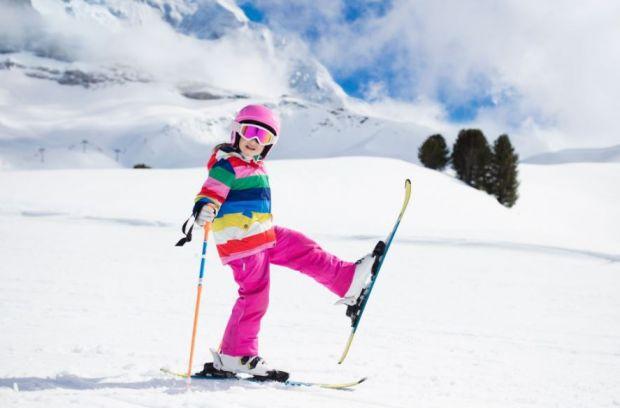 (P) Beneficiile skiului pentru copii
