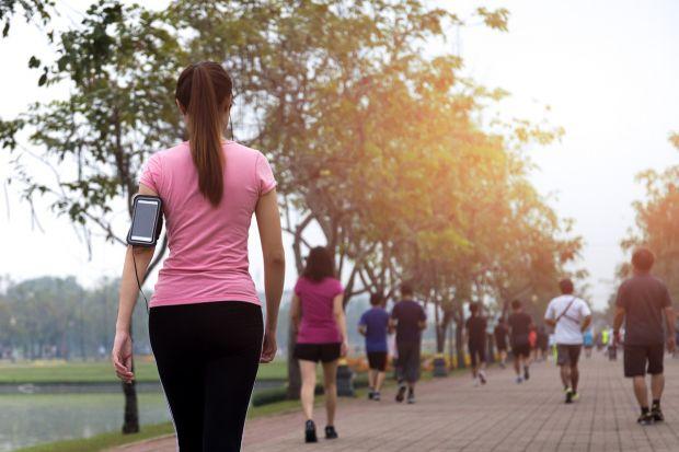Care este numărul real de pași pe care trebuie să-i parcurgi pe zi, pentru o viață sănătoasă